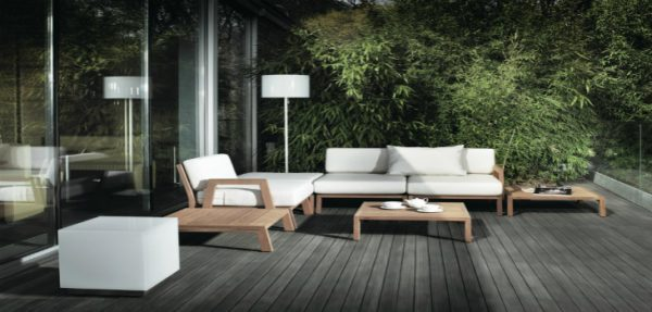floor lamps Outdoor Floor Lamps To Use In A Deck Or Patio featured e1479484963456