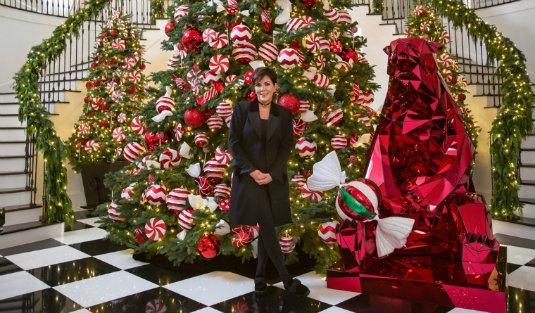 Holiday Lighting Hints by Kris Kris Jenner Holiday Lighting Hints by Kris Jenner Holiday Lighting Hints by Kris Jenner