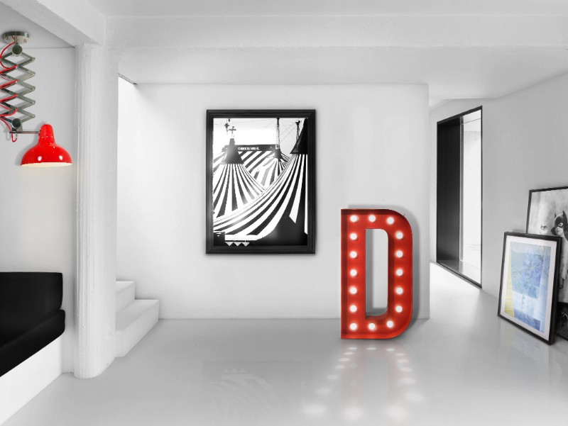 How to Use a Red Marquee Light in Your Home Decor this Fall marquee light How to Use a Red Marquee Light in Your Home Decor this Fall Trending Product An Eccentric Contemporary Red Marquee Light 6 1