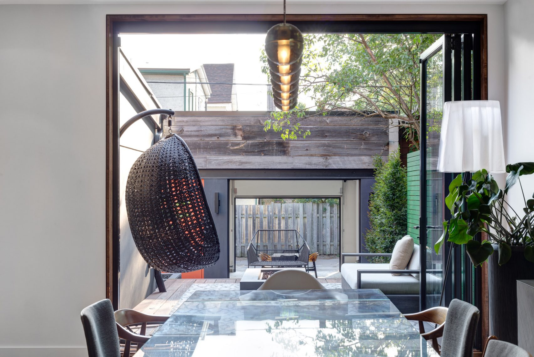 Refresh Your Contemporary Light Fixtures With This Stunning Project! 4