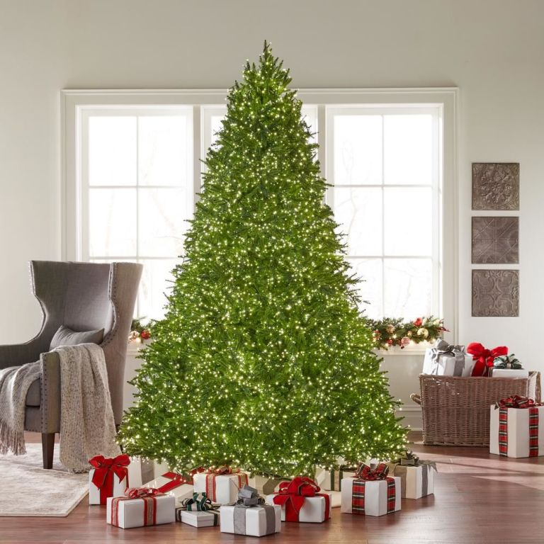 Brighten Up Your Christmas Decoration Ideas! 2