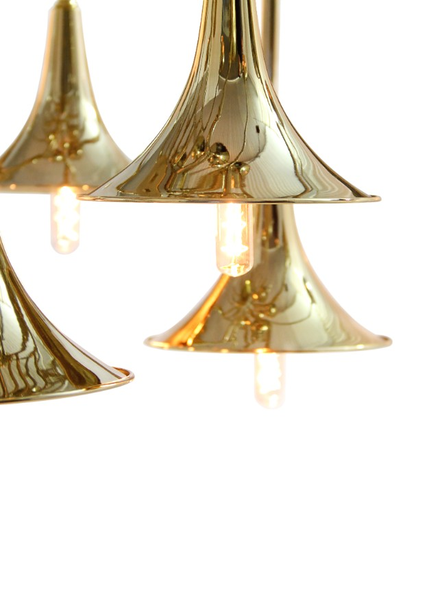 A Travel Back in Time: Let's Go Back to Classics with These Suspension Lamps! suspension lamps A Travel Back in Time: Let's Go Back to Classics with These Suspension Lamps! botti chandelier detail 03 HR